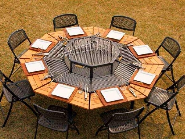 Barbecue Picnic Table