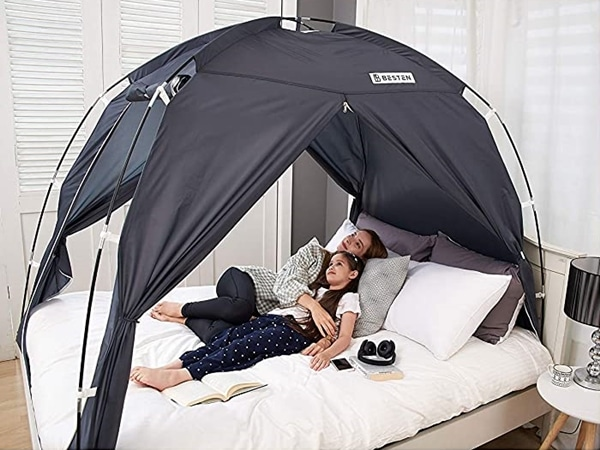 BESTEN Floorless Indoor Privacy Tent on Bed