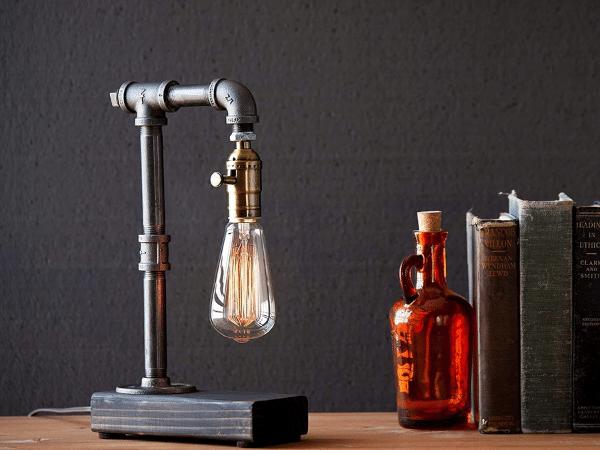 Edison Desk Lamp with Lightbulb